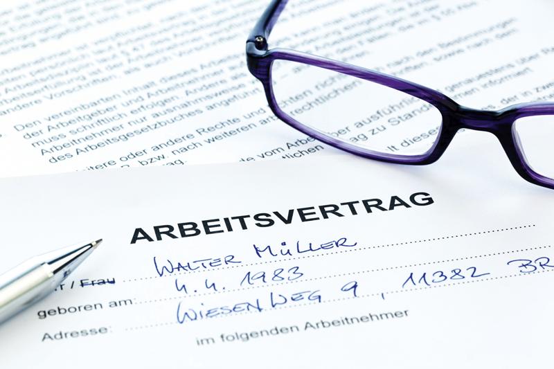 Sachgrundlose-Befristung-Arbeitsvertrag-Verbot-Bundesverfassungsgericht