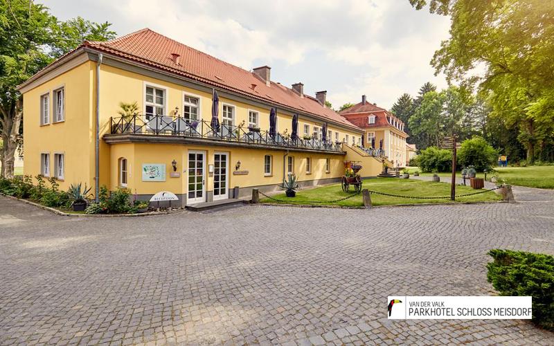 Schloss-Meisdorf._Außenansichtpng