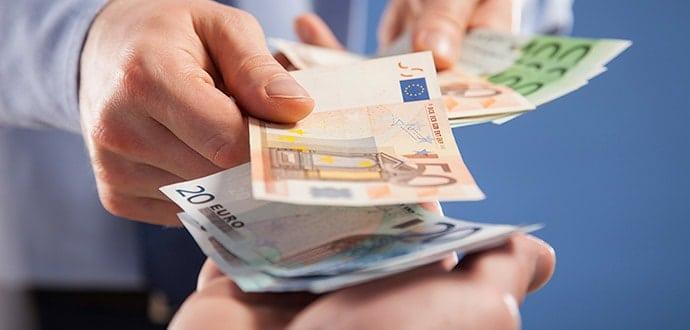 Rausgeekelter Betriebsrat erhält Entschädigung - Urteil des LAG Köln